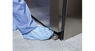 Small Steam Sterilizer foot-activated door
